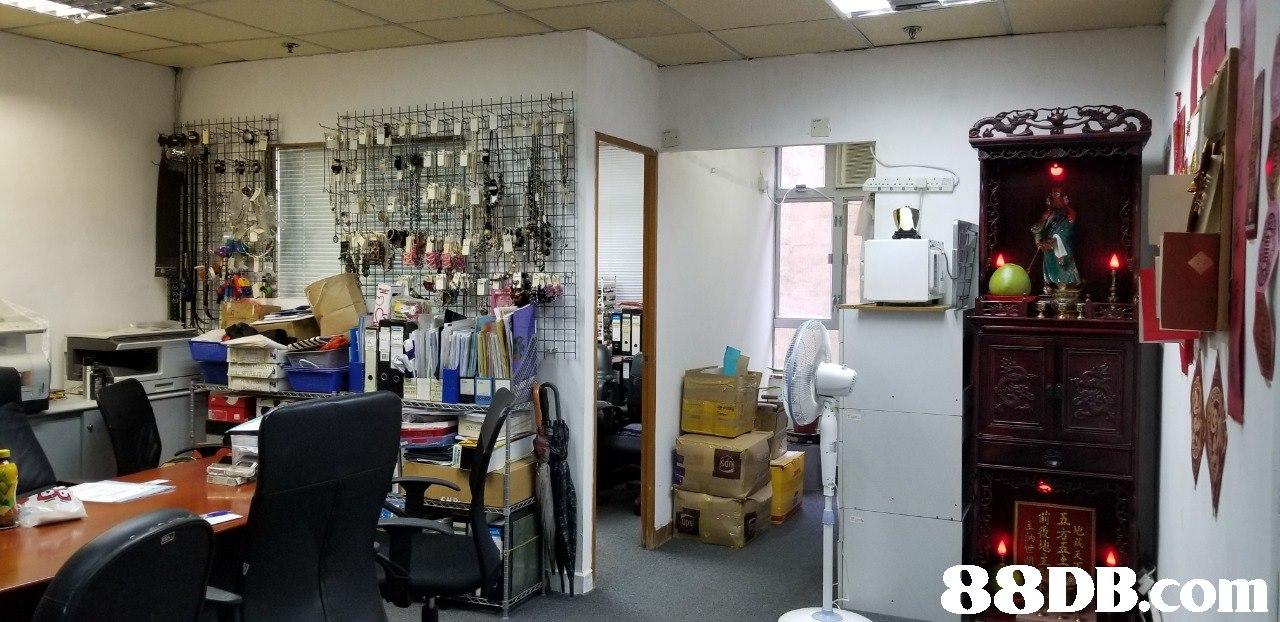 地藏天 五方五上  Building,Interior design,Room,Beauty salon,