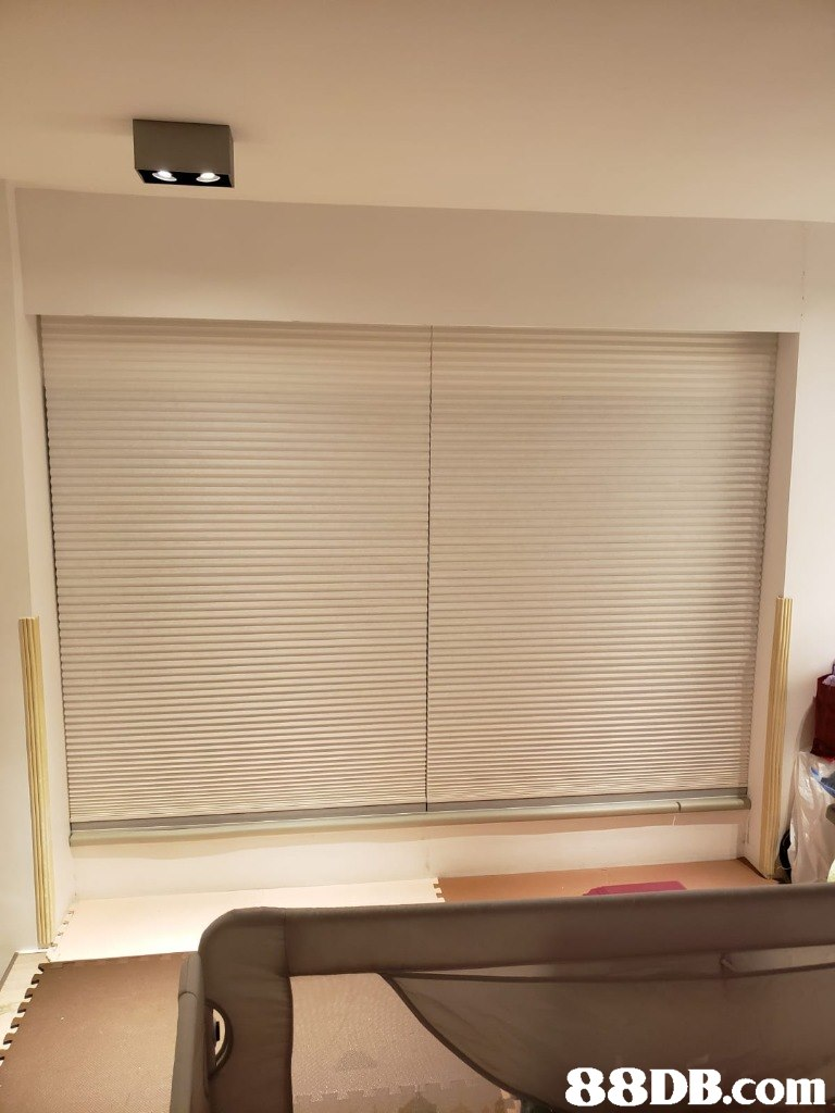 Window blind,Window covering,Window treatment,Property,Room