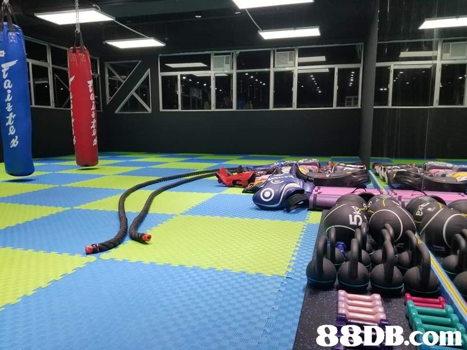 Room,Gym,Sport venue,Mat,Leisure centre