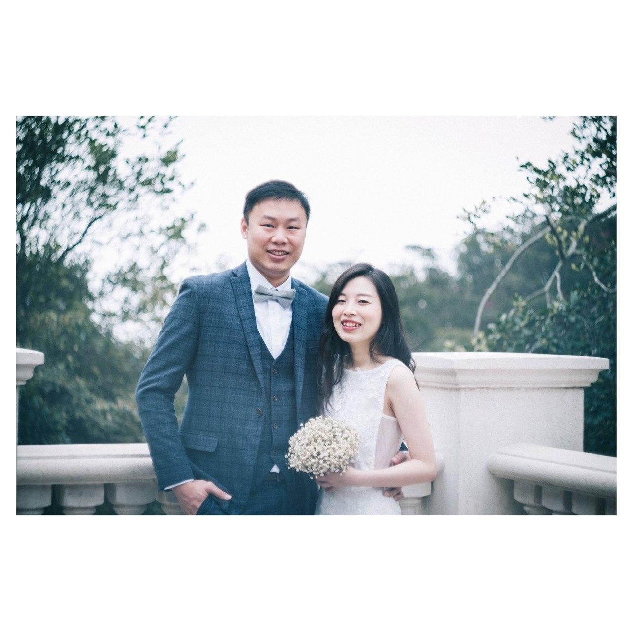 Photograph,Facial expression,Snapshot,Ceremony,Wedding dress