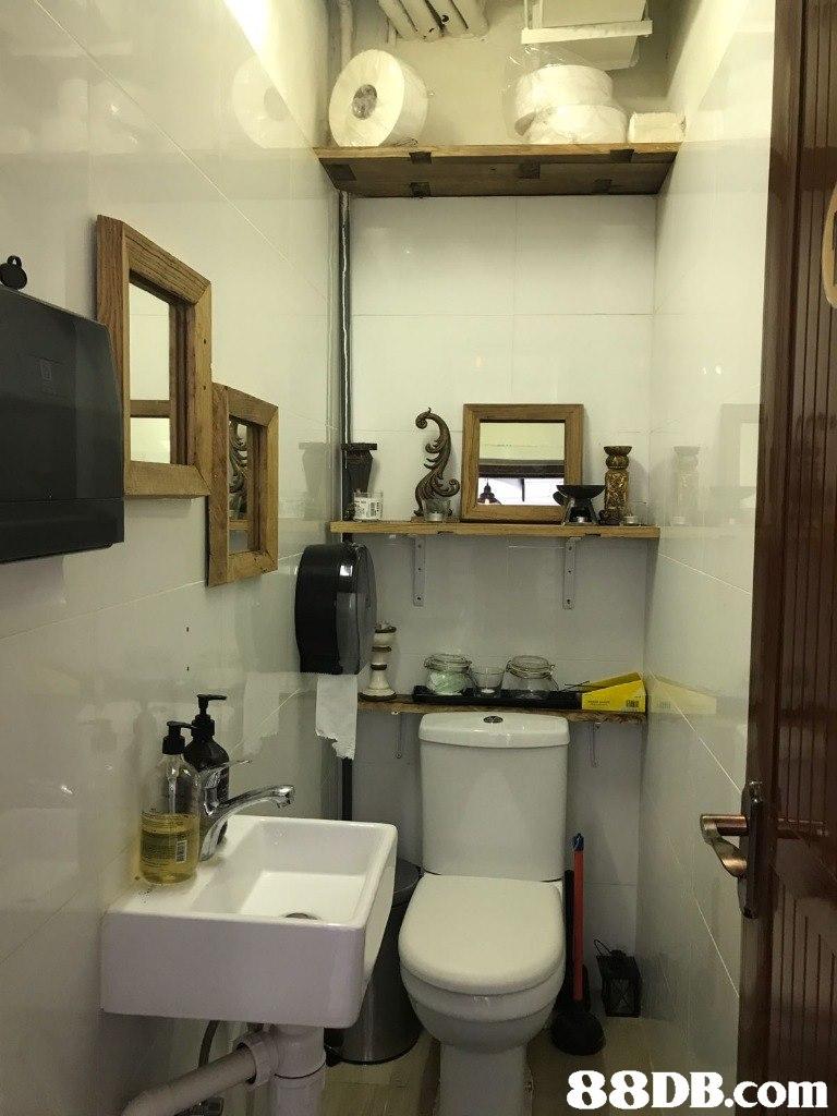 Bathroom,Room,Property,Plumbing fixture,Interior design