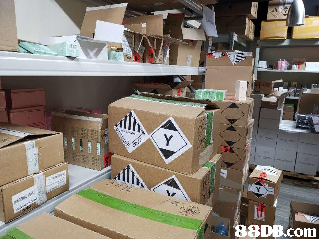 96% Si   Cardboard,Carton,Wood,Room,Paper product