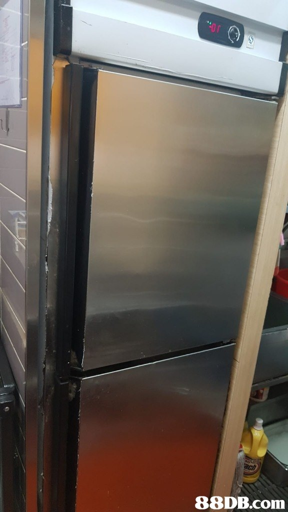Refrigerator,Major appliance,Glass,Kitchen appliance,Automotive exterior