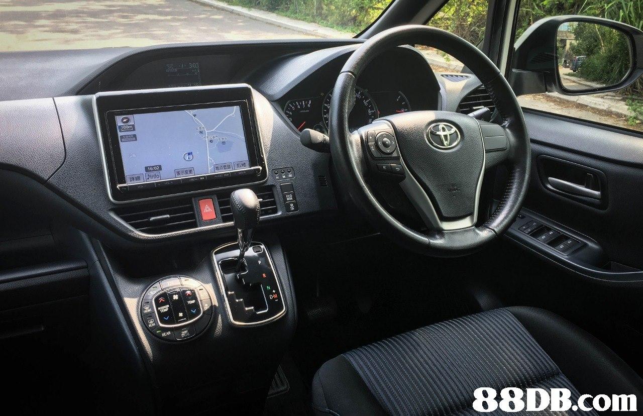 卍 16:02 1地点£811広域 表示変更 詳細ll-info D-M   Land vehicle,Vehicle,Car,Minivan,Toyota