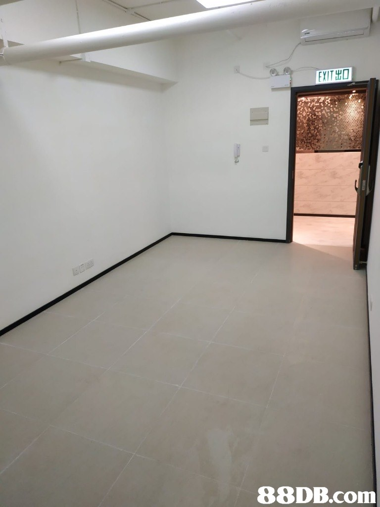 EXIT出   Property,Floor,Room,Wall,Ceiling