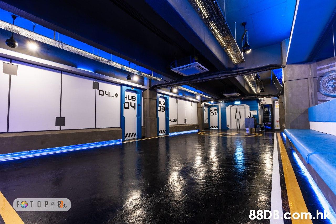HUB HUB 0i 4,0ョ 88D B.com.h  Blue,Light,Lighting,Building,Metropolitan area