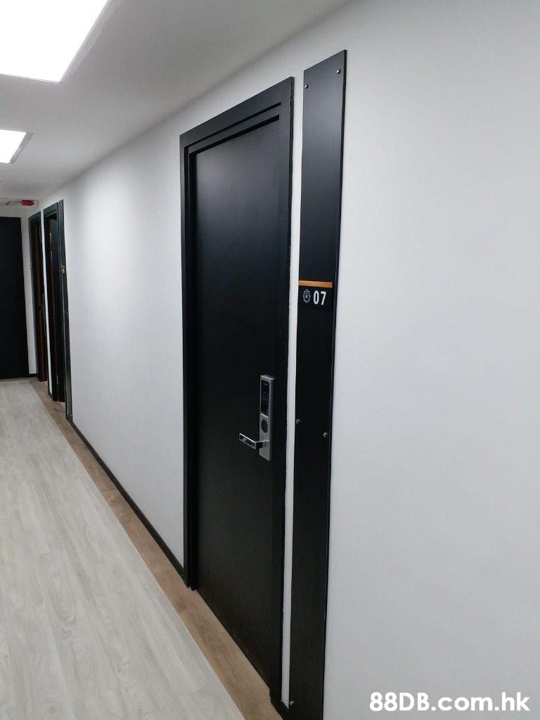 囟07 .hk  Room,Wall,Door,Glass,Automotive exterior