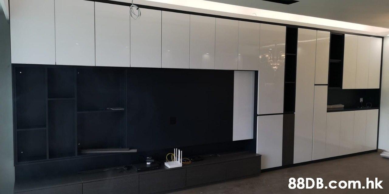 .hk  Property,Wall,Room,Glass,Vehicle door