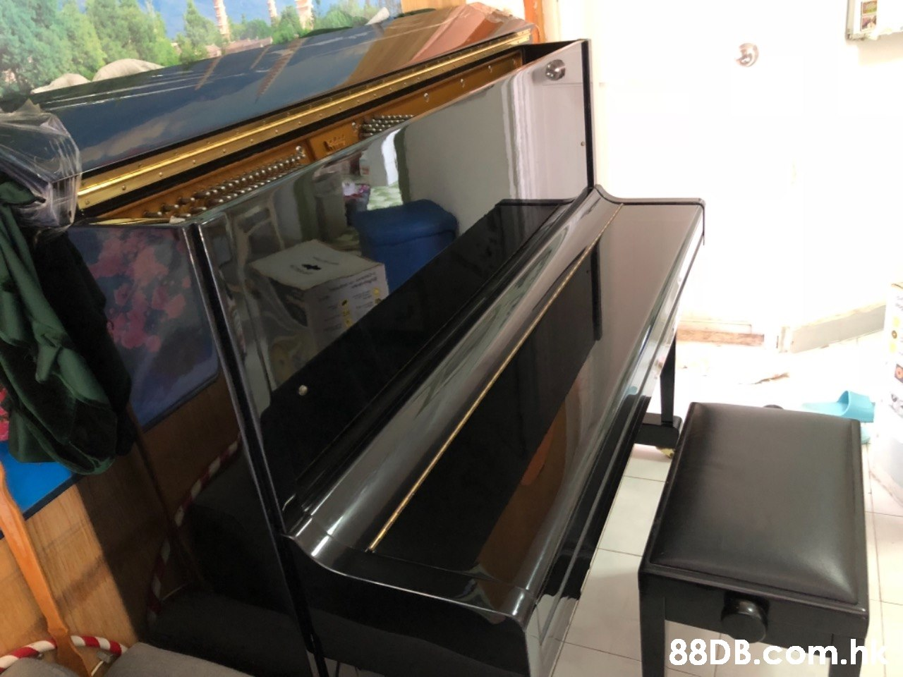 88DB.CORm  Piano,Room,Technology,Electronic device,