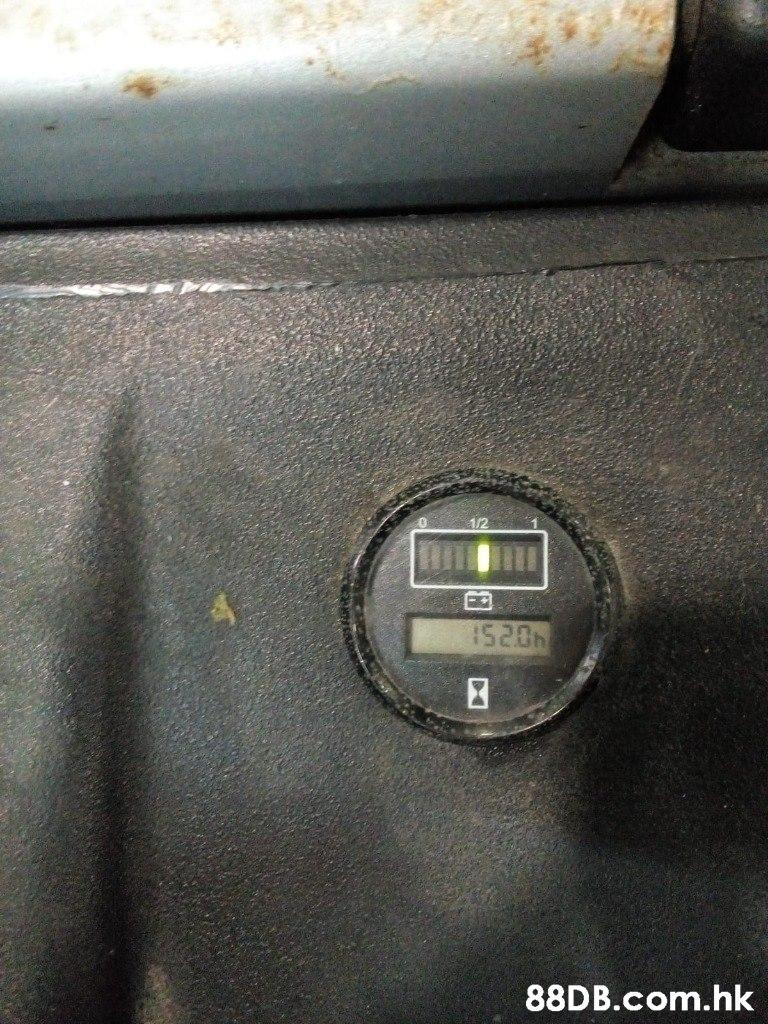 1/2 520h .hk  Vehicle,Automotive exterior,Car