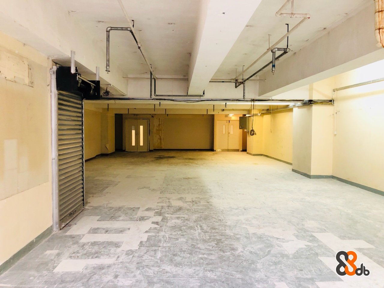 Floor,Building,Ceiling,Wall,Room