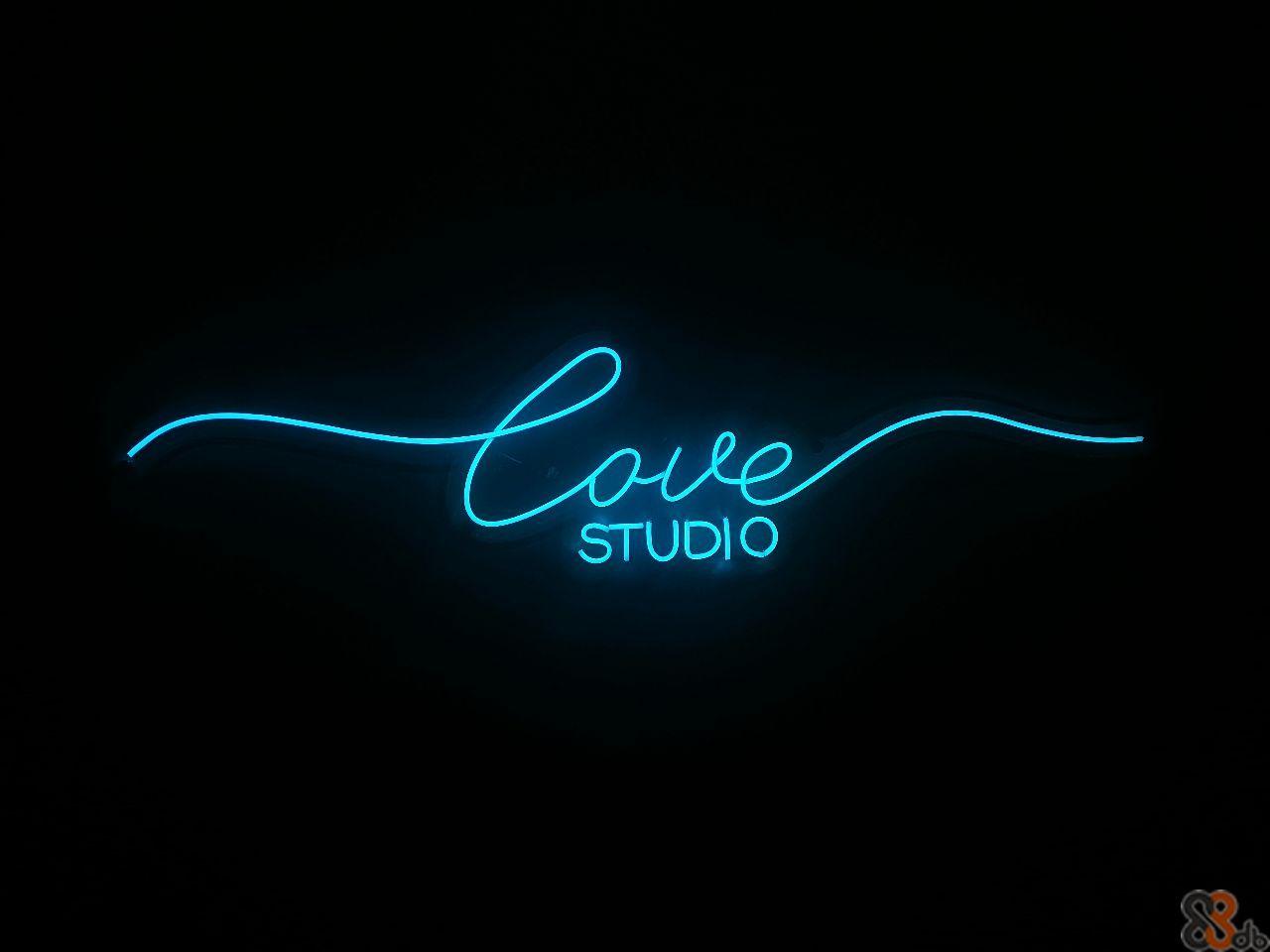 Caste ore STUDIO  Light,Neon,Neon sign,Font,Electric blue