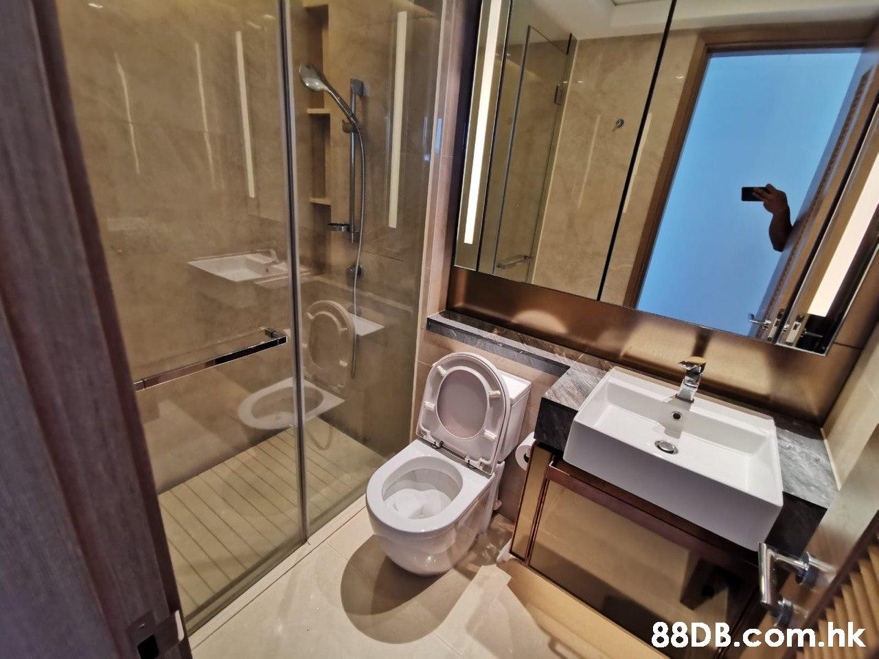 .hk  Bathroom,Property,Room,Plumbing fixture,Interior design