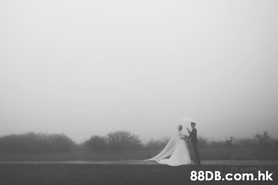 .hk  Photograph,White,Atmospheric phenomenon,Sky,Dress