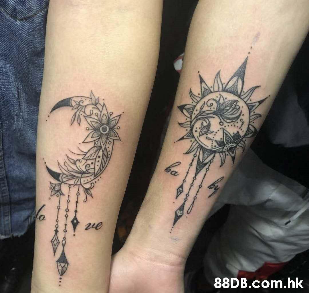 2ue .hk  Tattoo,Arm,Leg,Human leg,Joint