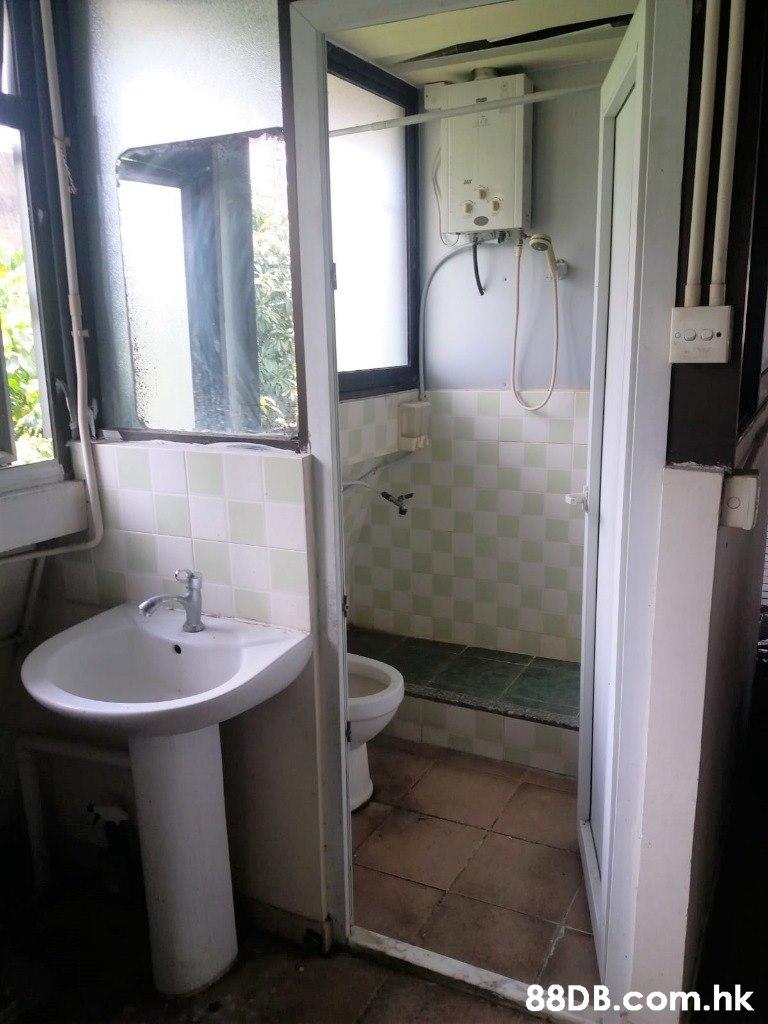 .hk  Bathroom,Property,Room,Plumbing fixture,Toilet