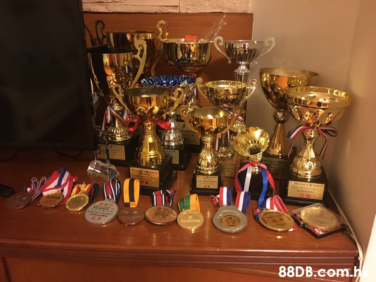 .h  Trophy,Award,Drinkware,