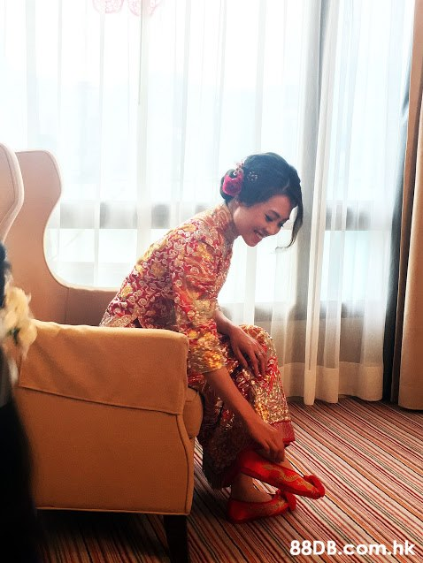 .hk  Red,Ceremony,Wedding,Sitting,Dress