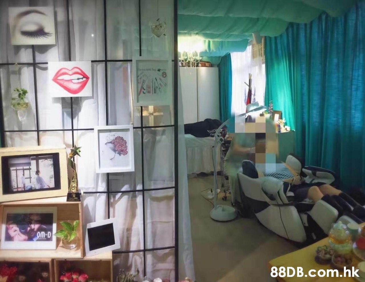 oM-D .hk  Room,Interior design,Building,Living room,Furniture
