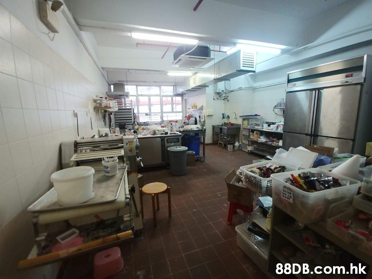 ry-15 et .hk  Building,Property,Room,Interior design,