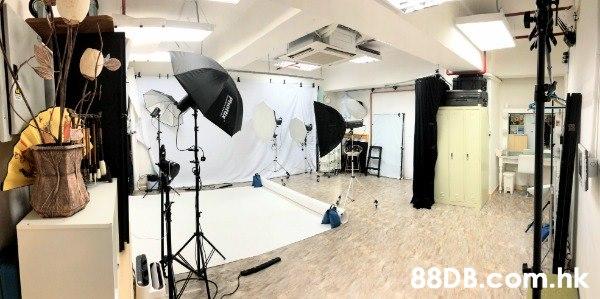 觀塘松影室,影樓出租及攝影服務,每小時 $200,61087627 聯絡李先生,如客人需要可協助打燈,亦設個人或自組班的影樓人像拍攝教學,保證短時間內能掌握影樓拍攝技巧,歡迎查詢。