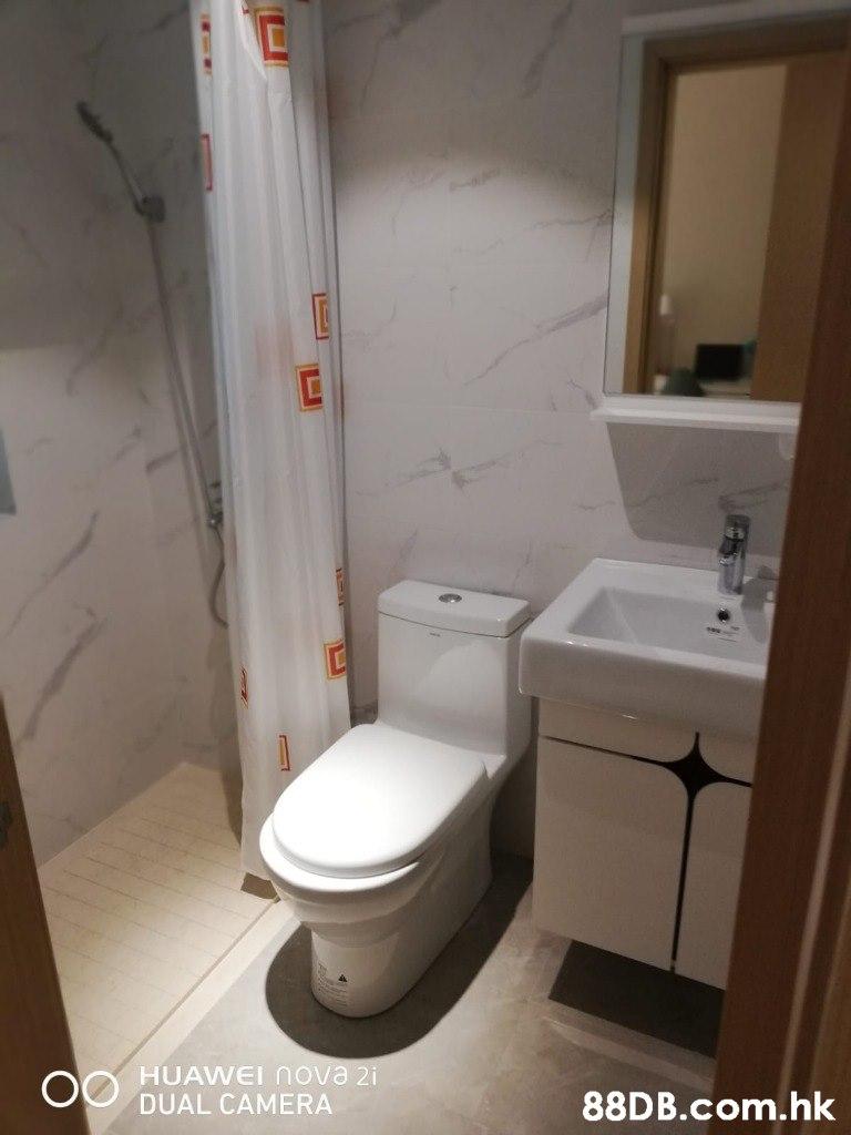 HUAWEI nova 2i ODUAL CAMERA .hk  Bathroom,Property,Room,Toilet,Toilet seat