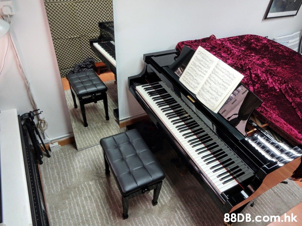 ww mmmo I FOL7 .hk  Piano,Musical instrument,Electronic instrument,Keyboard,Musical keyboard