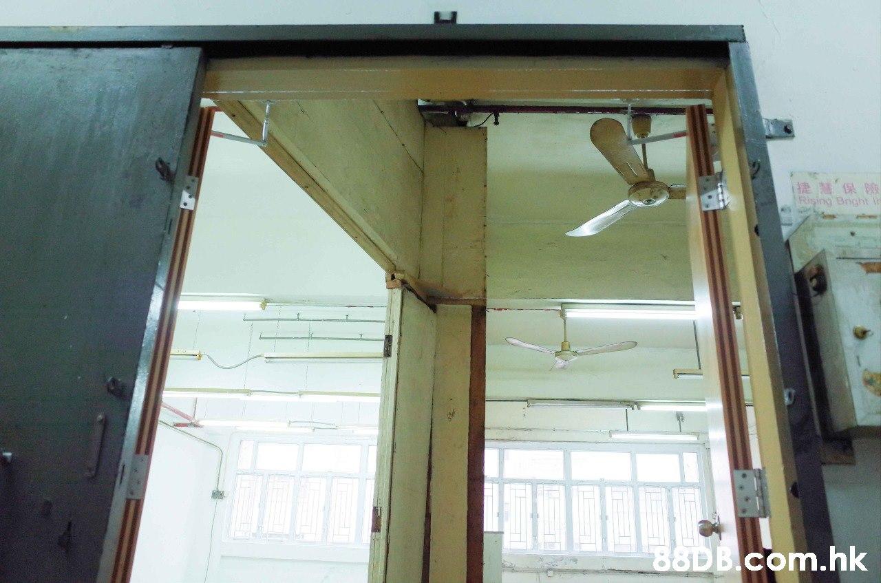 提慧保險 Rising Bright In .hk  Wall,Door,Ceiling,Glass,Window