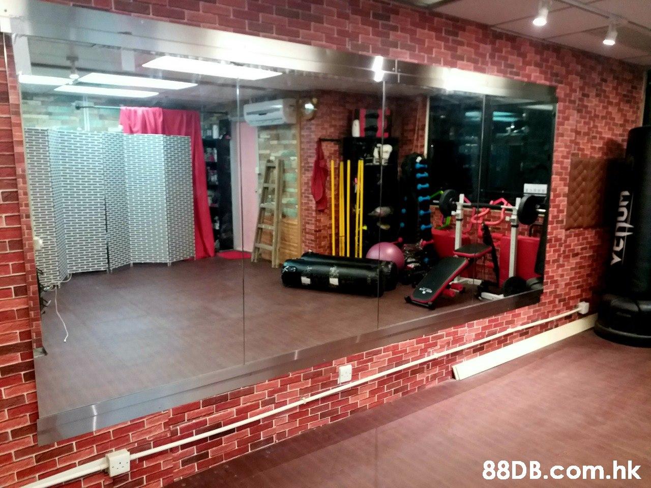 .hk untlaa  Property,Floor,Flooring,Building,Room