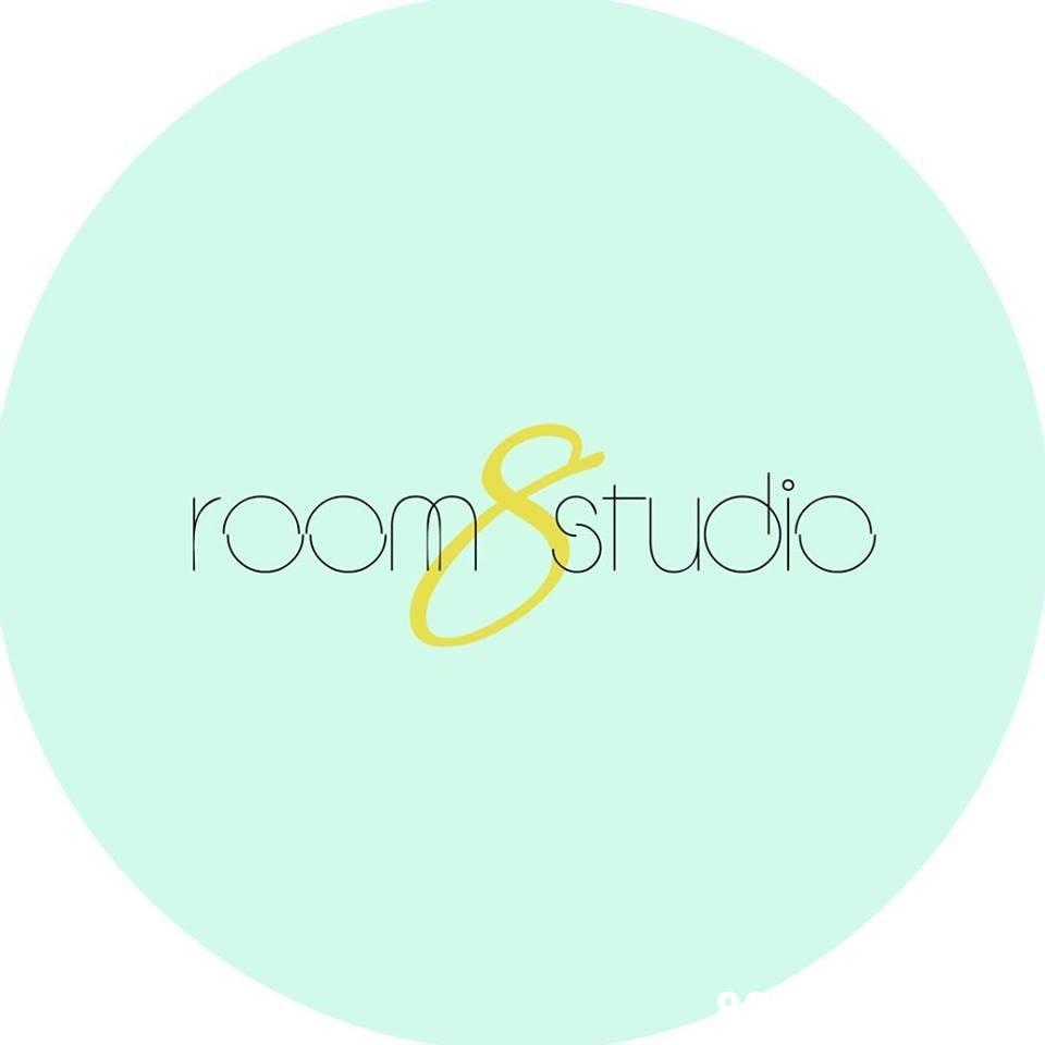 roop studio  Text,Turquoise,Aqua,Green,Circle