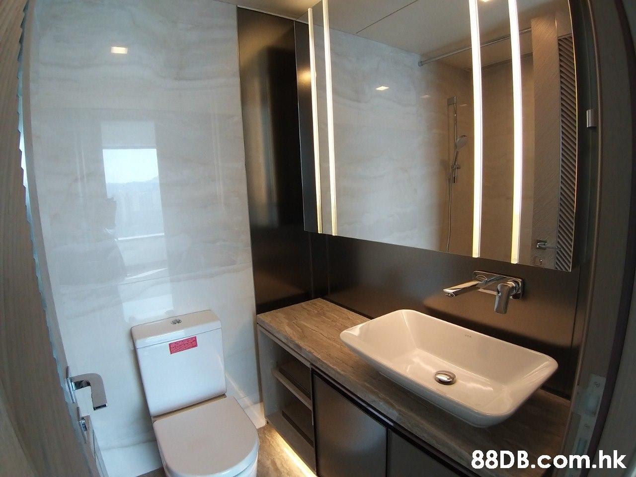 .hk  Property,Bathroom,Room,Plumbing fixture,Toilet