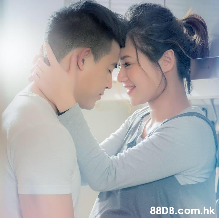 .hk  Forehead,Love,Romance,Cheek,Interaction