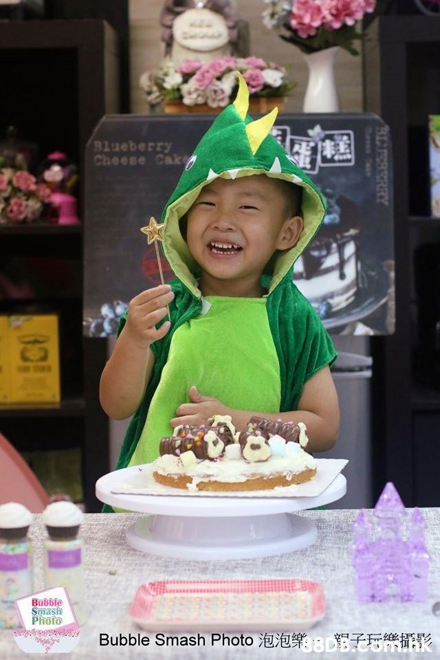 8lueberry Cheese Cak Bubble Smash Photo Bubble Smash Photo ETE*IAK RLISSERRY Oasen Cos  Child,Cake,Food,Sweetness,Sugar paste