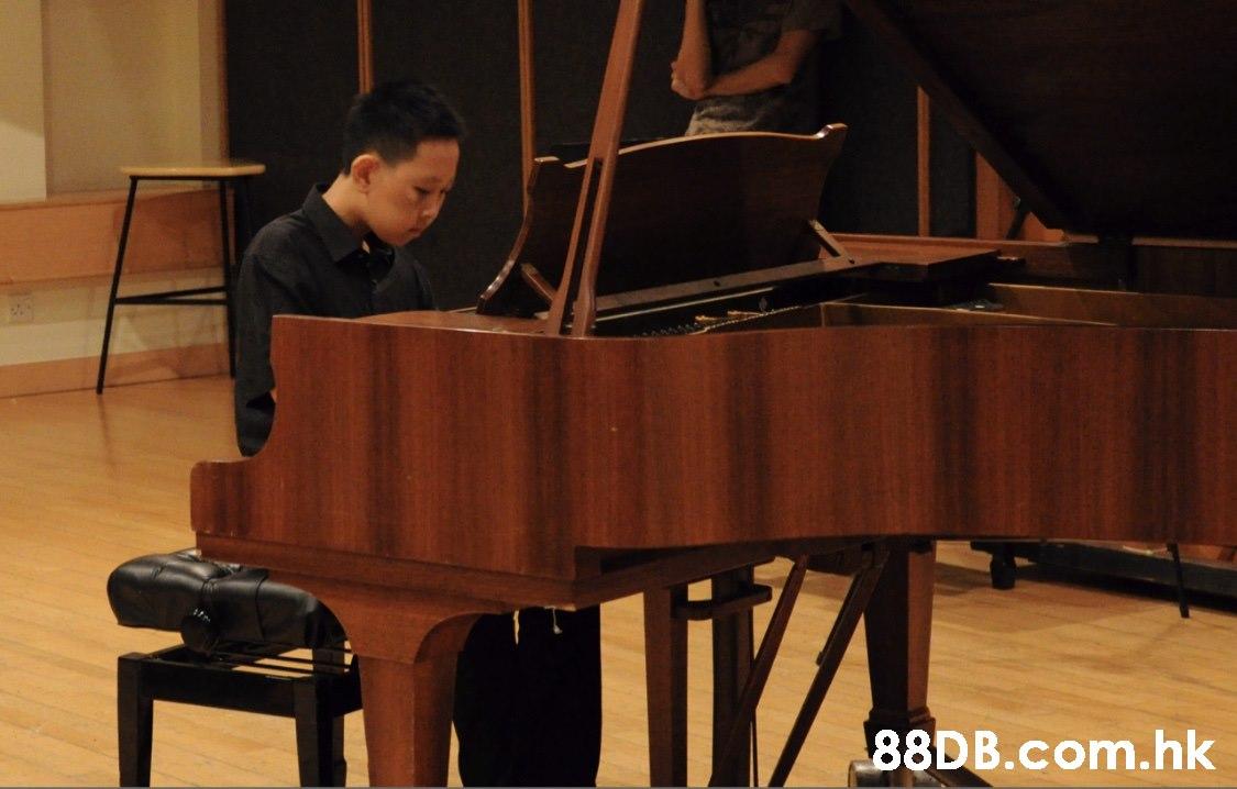 li% .hk  Fortepiano,Music,Recital,Pianist,Musical instrument