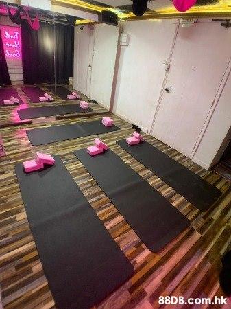 ICONIC DANCE STUDIO 300呎;歡樂時間 70/h;黃金時間 140/h 鏡房活動室24小時Dance Studio場地出租舞蹈戲劇表演彩排瑜珈攝影拍攝私人派對興趣班街舞團體活動