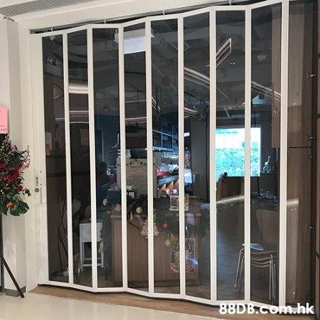 坤記捲閘 本公司專業生產手拉捲閘電動捲閘漸進式捲閘,各種電動捲閘 手動捲閘  閘門 安裝 維修54054286 美觀與低成本的基本原則,這項原則源自我們在中國30年所累積的經驗。